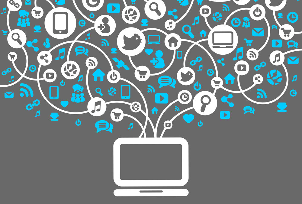 Online Communities v. Social Networks: Key Differences and Uses